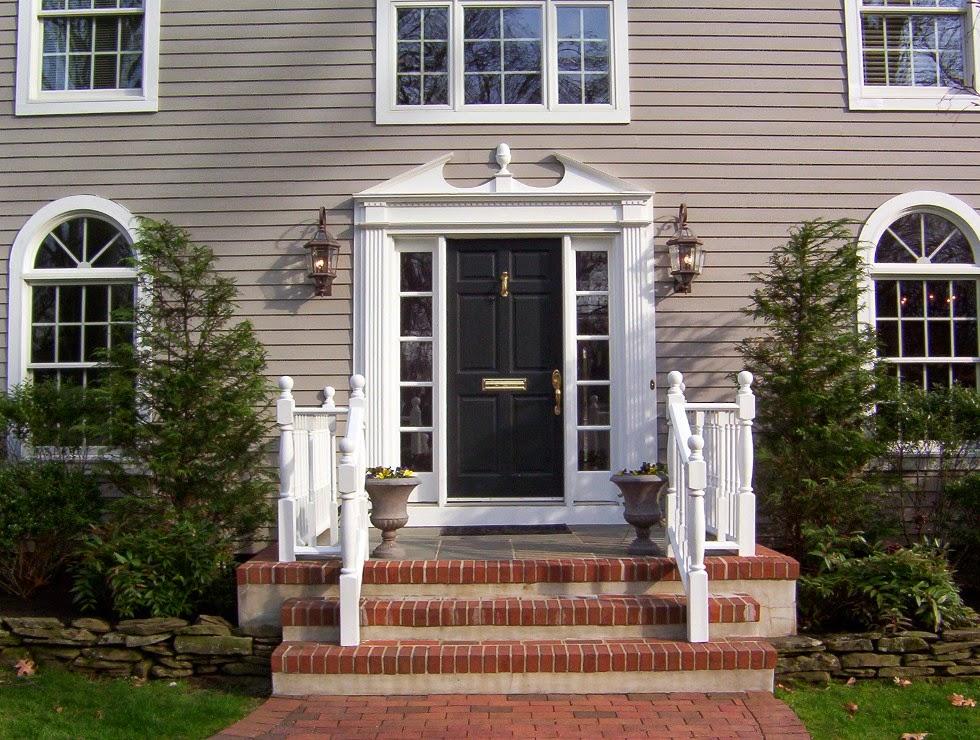 Phong thủy cửa chính cho rằng kích cỡ cửa chính phải phù hợp với ngôi nhà, không nên to quá mà cũng không nên nhỏ quá