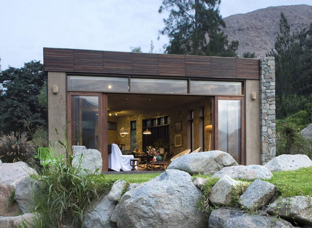Hình thế nhà đẹp không nên có tảng đá lớn trước cửa