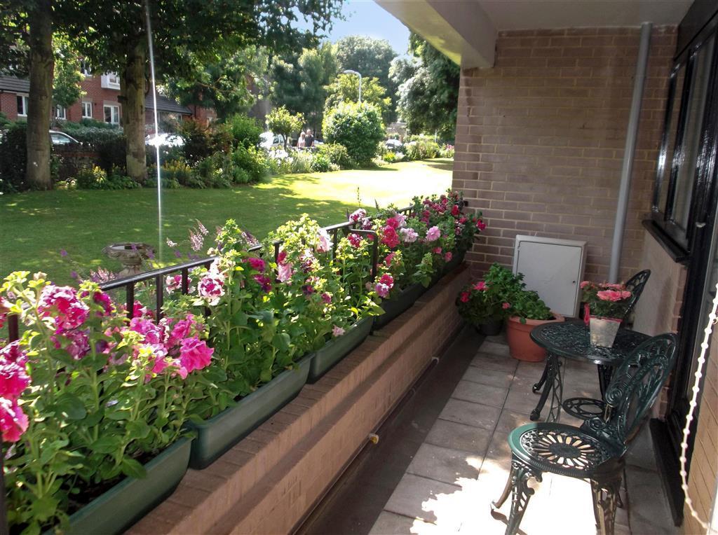 Bất kể là nhà đất hay chung cư, nhà nào cũng muốn có ban công đẹp