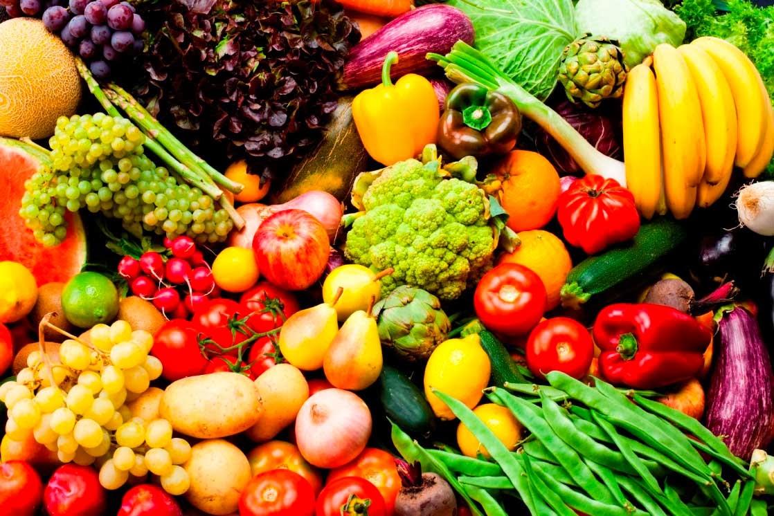 Để đôi mắt được khỏe mạnh thì nên ăn nhiều loại thực phẩm có vitamin A và ngủ đúng giờ giấc